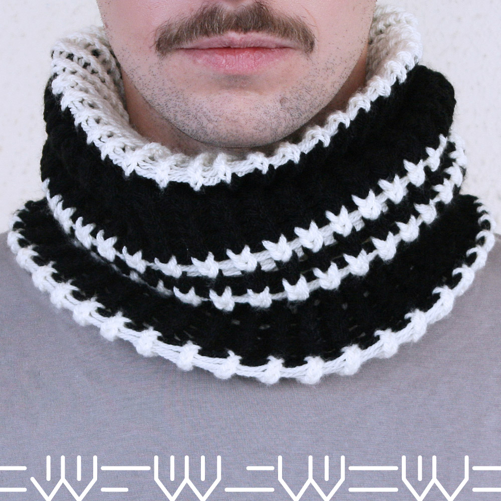 Striped-Tube-Snood-1-border