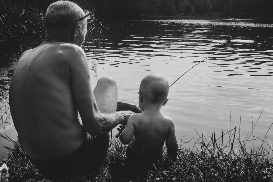 perfect-grandad-i-documented-my-dad-spending-time-with-my-little-monsters-14__880