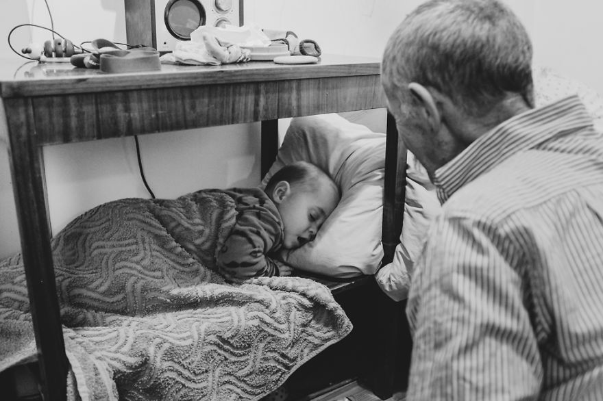 perfect-grandad-i-documented-my-dad-spending-time-with-my-little-monsters-19__880