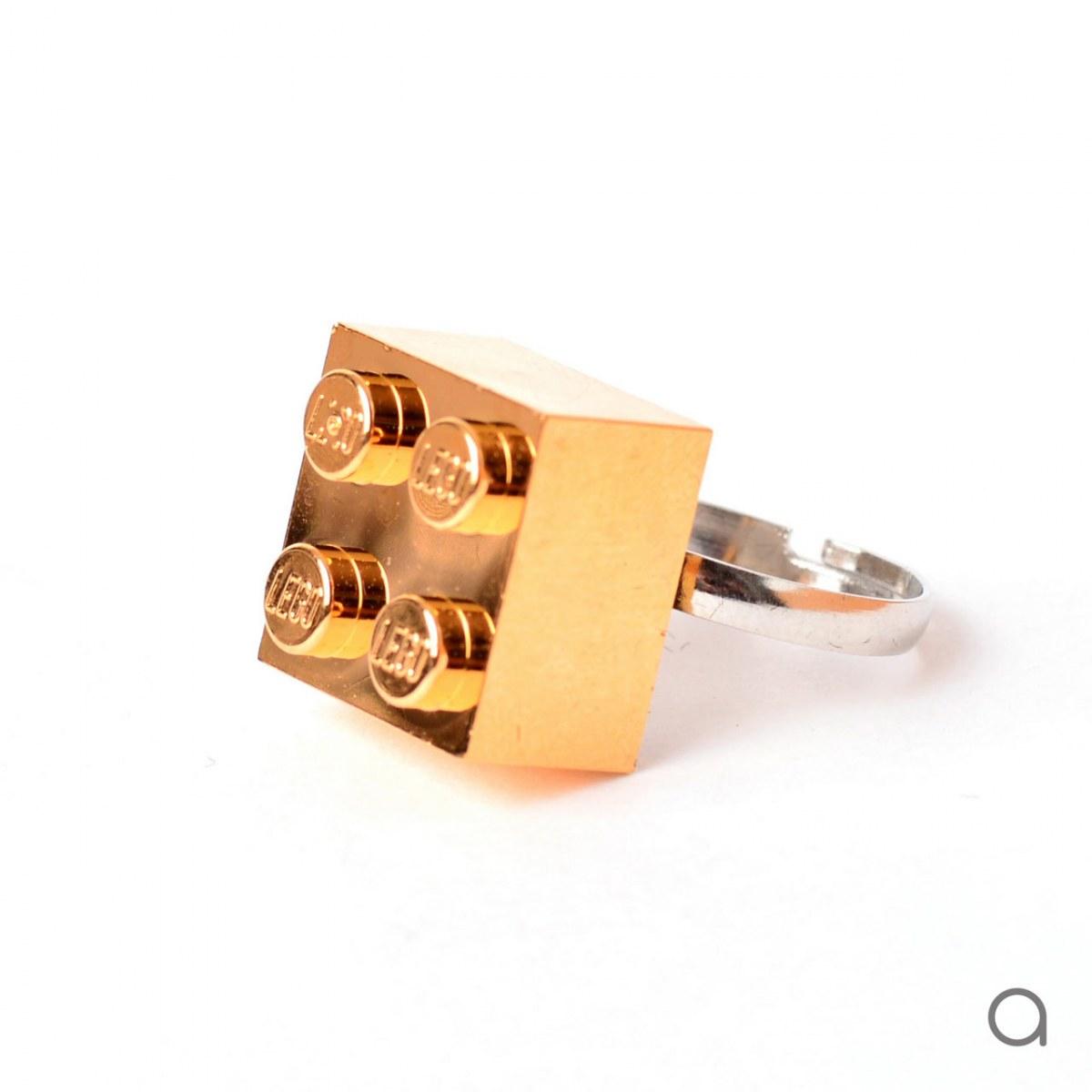 ddc4060ac9 ... Agabag-Gold-plated-LEGO-bricks-10 ...