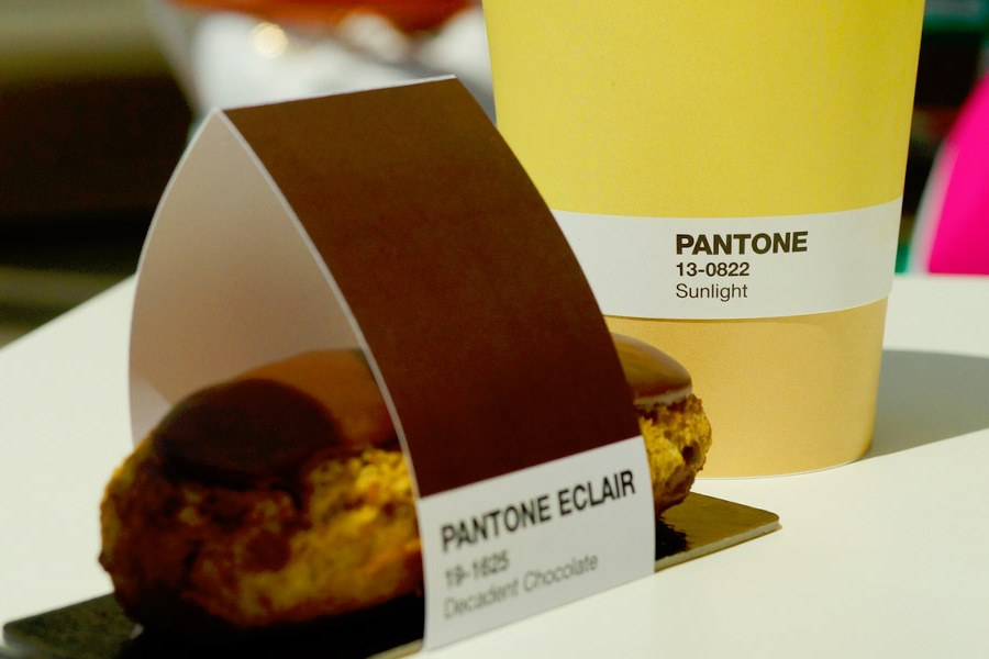 pantone-cafe-color-coded-menu-01