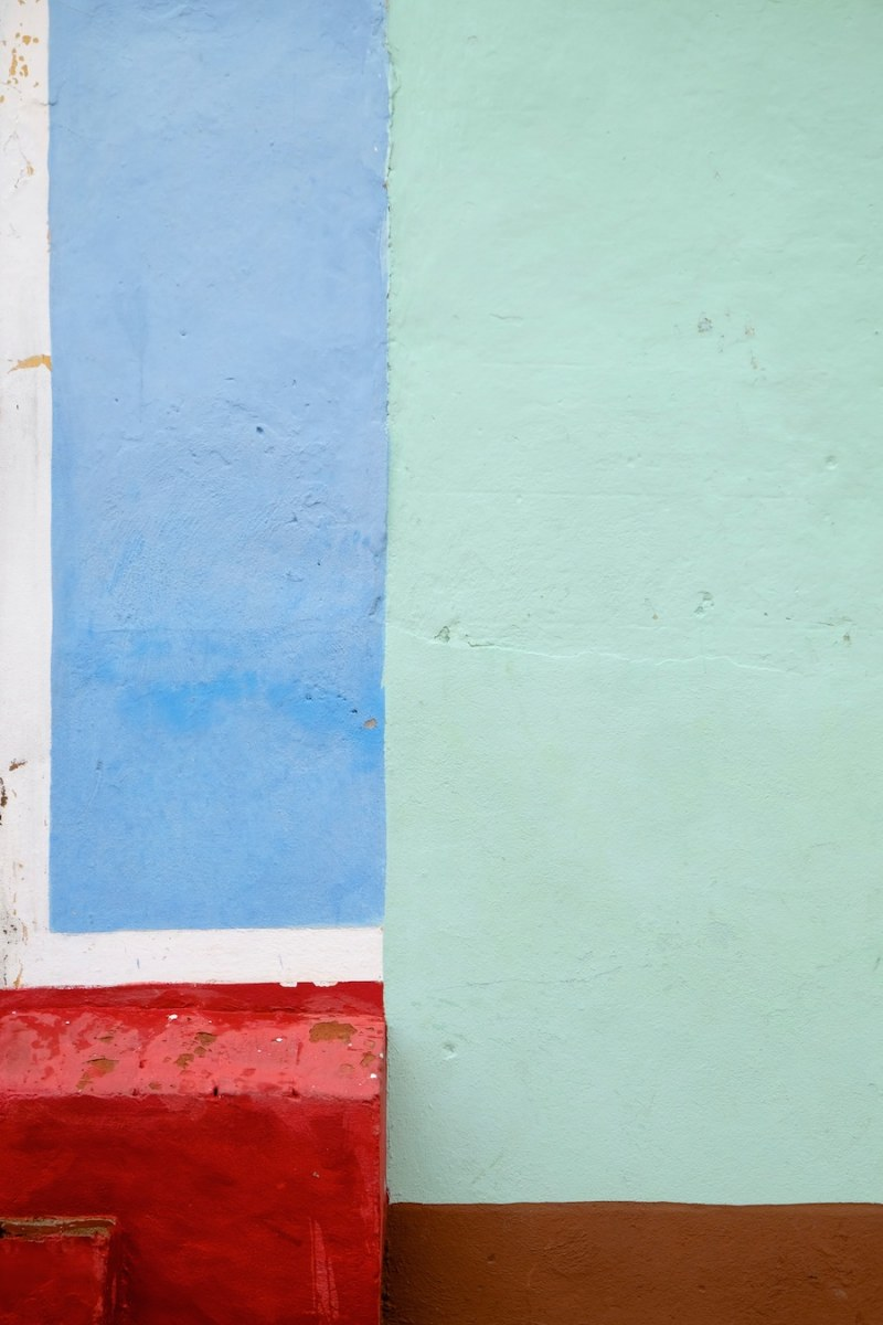 beautiful-colors-and-geometry-of-the-cuban-architecture-12