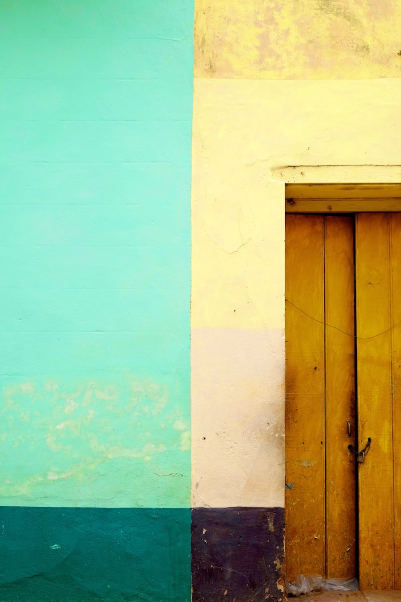beautiful-colors-and-geometry-of-the-cuban-architecture-2