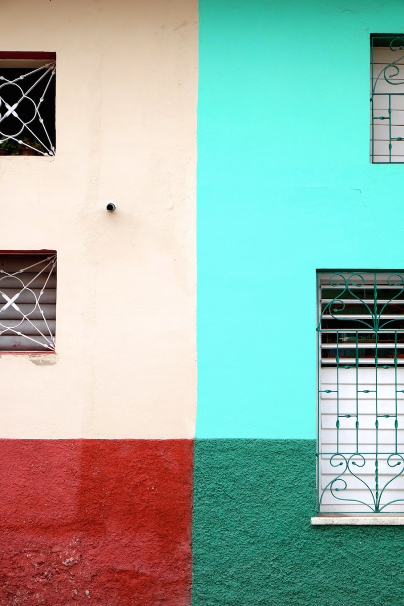 beautiful-colors-and-geometry-of-the-cuban-architecture-25