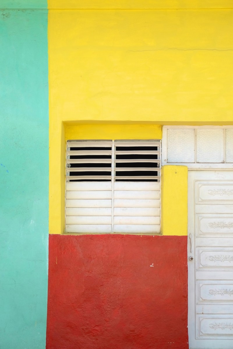 beautiful-colors-and-geometry-of-the-cuban-architecture-34