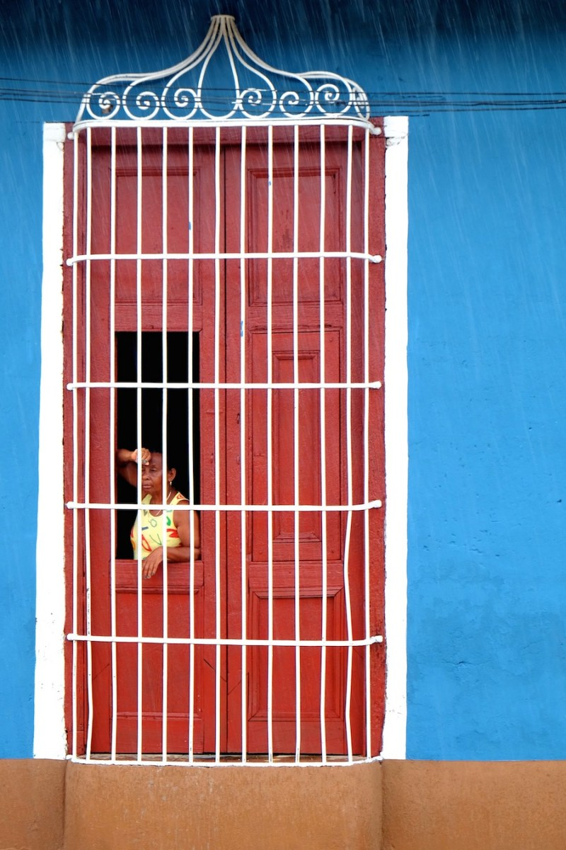 beautiful-colors-and-geometry-of-the-cuban-architecture-4