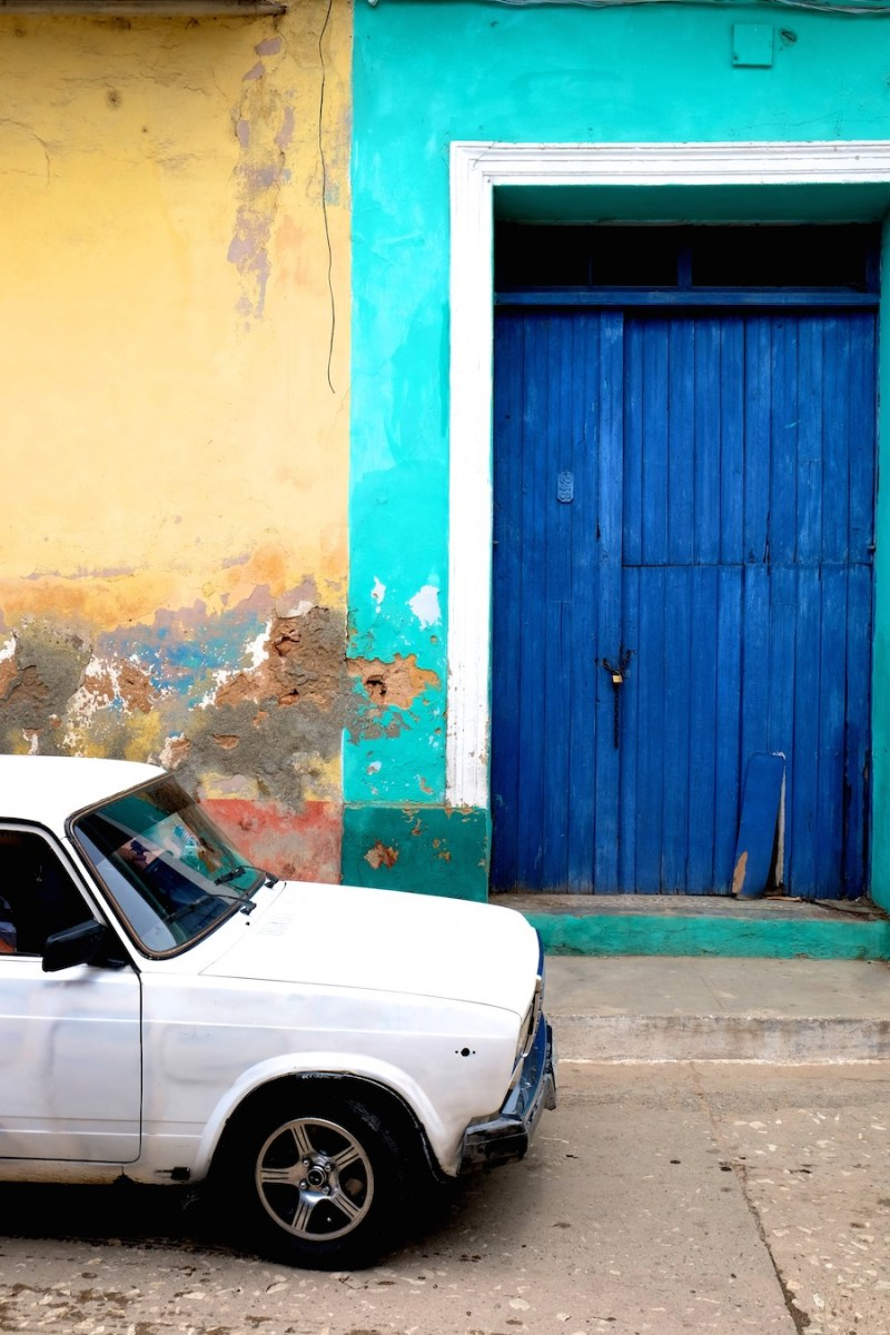 beautiful-colors-and-geometry-of-the-cuban-architecture-7