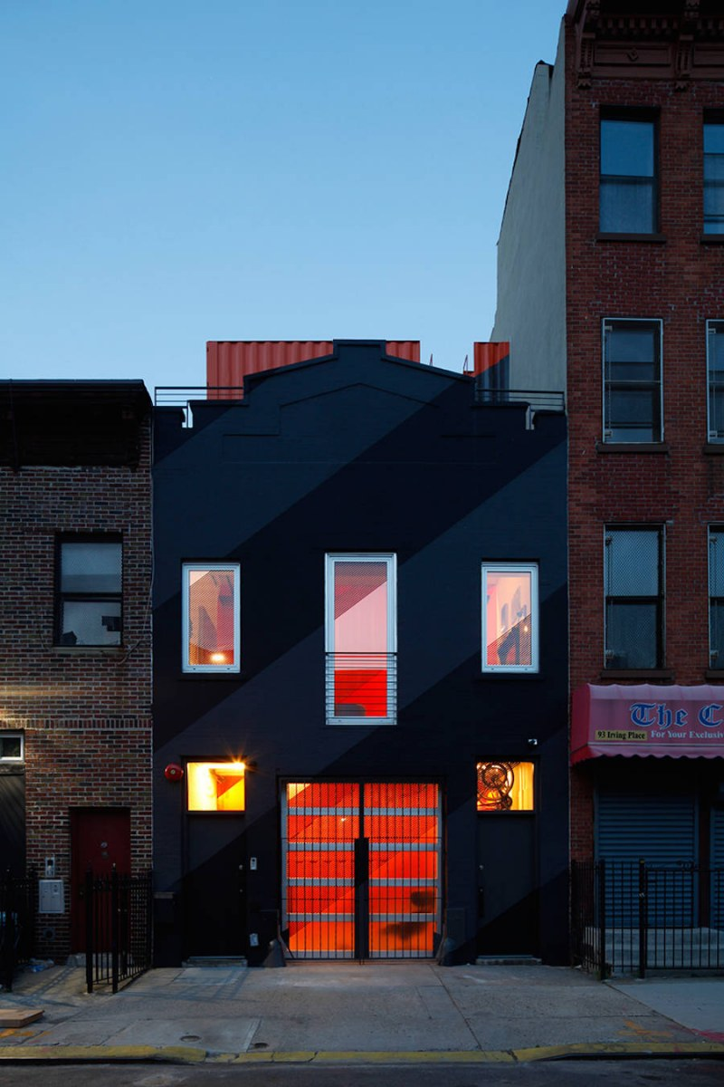 colorful-containers-project-in-brooklyn-10-900x1350