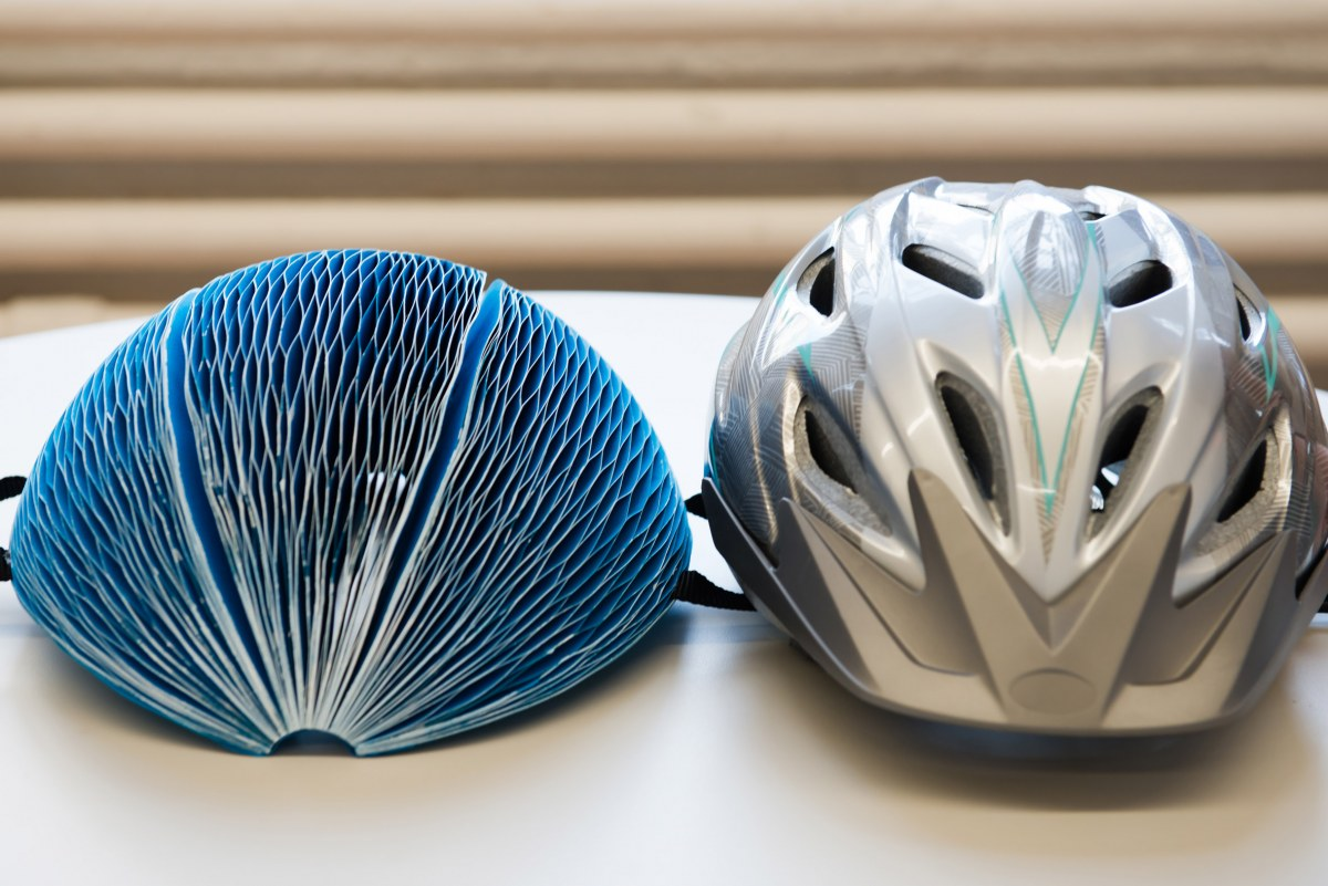 eco-helmet-technology-safety-transport-design-isis-shiffer-james-dyson-awards-winner_dezeen_2364_col_7