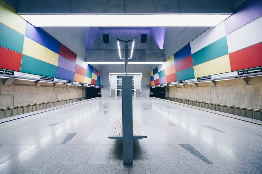 focus-on-the-beauty-of-symmetry-in-the-underground-of-budapest-1