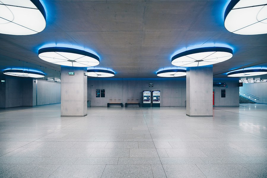 focus-on-the-beauty-of-symmetry-in-the-underground-of-budapest-6
