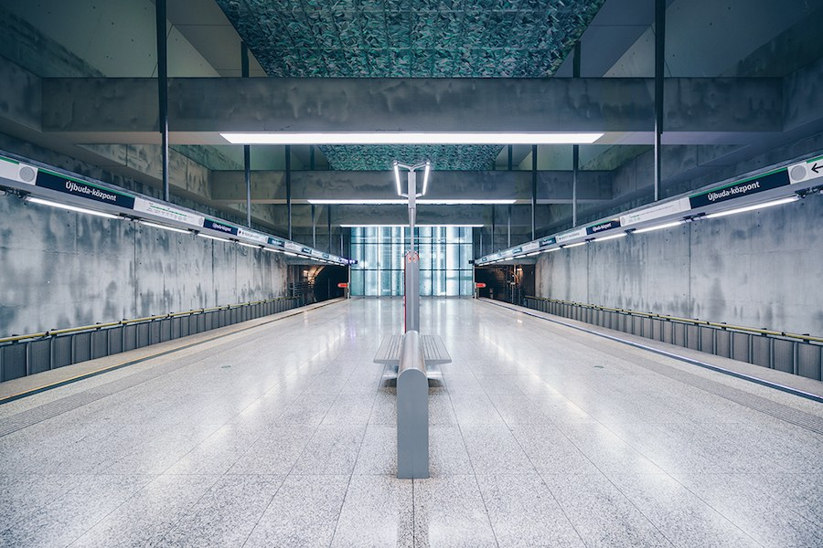 focus-on-the-beauty-of-symmetry-in-the-underground-of-budapest-9
