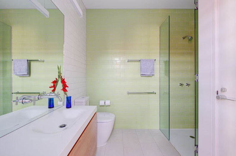 light-green-bathroom-231116-1041-09