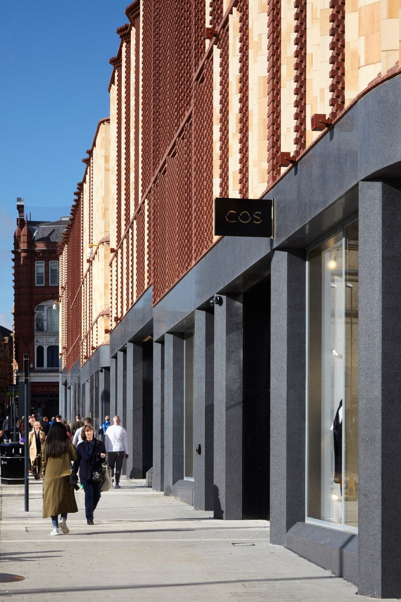 victoria-gate-by-acme-retail-architecture-leeds-uk_dezeen_2364_col_12