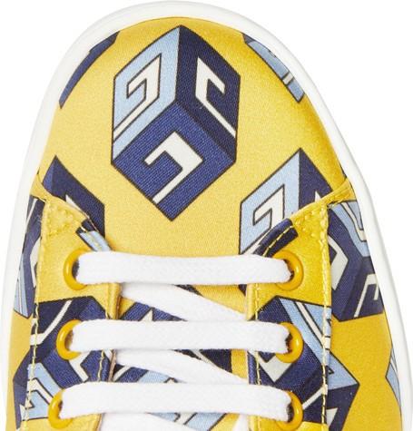 48e785ca782 Ένα Gucci Ace online exclusive σχεδιασμένο για το MR PORTER