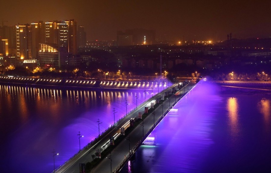 illuminated-musical-fountains-in-china-1