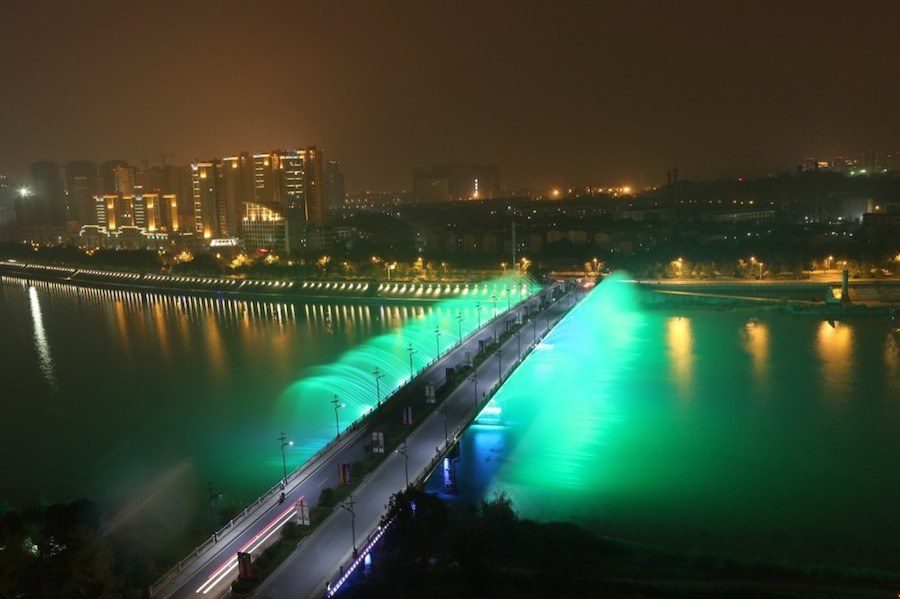 illuminated-musical-fountains-in-china-3