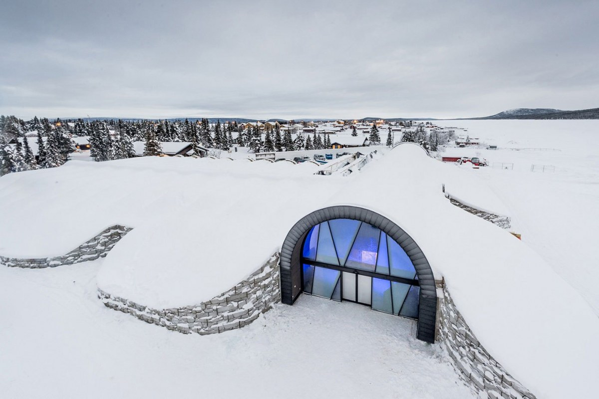 worlds-first-permanent-ice-hotel-2