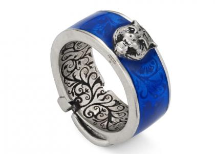 4c821c0f62 Το τολμηρό μπλε δαχτυλίδι της Gucci COMME des GARÇONS  Η νέα απόλυτη τσάντα  θαλάσσης