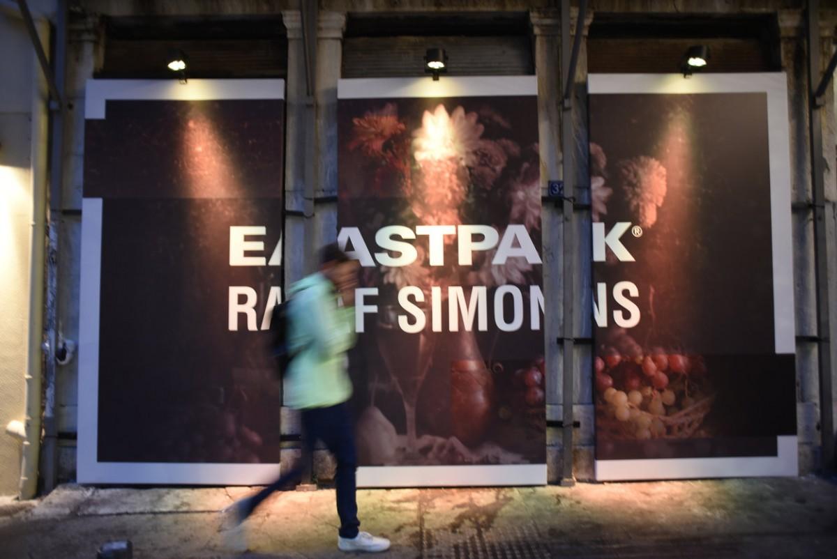 88497993f8 Eastpak x Raf Simons  Η νέα συλλογή υψηλής ραπτικής και αστικής  υποκουλτούρας