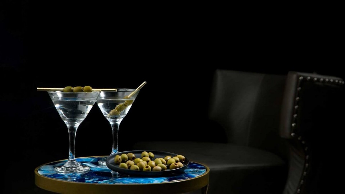 1611300697590944 cocktail pi bevuti al mondo dry martini L Officiel Italia