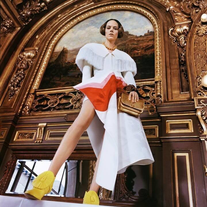 1614962218155465 loewe collezione donna autunno inverno 2021 showint the news lofficielitalia2