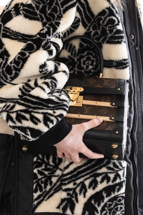 1615390653026895 louis vuitton fornasetti collezione donna autunno inverno 2021 immagini sfilata look dettagli lofficielitalia16