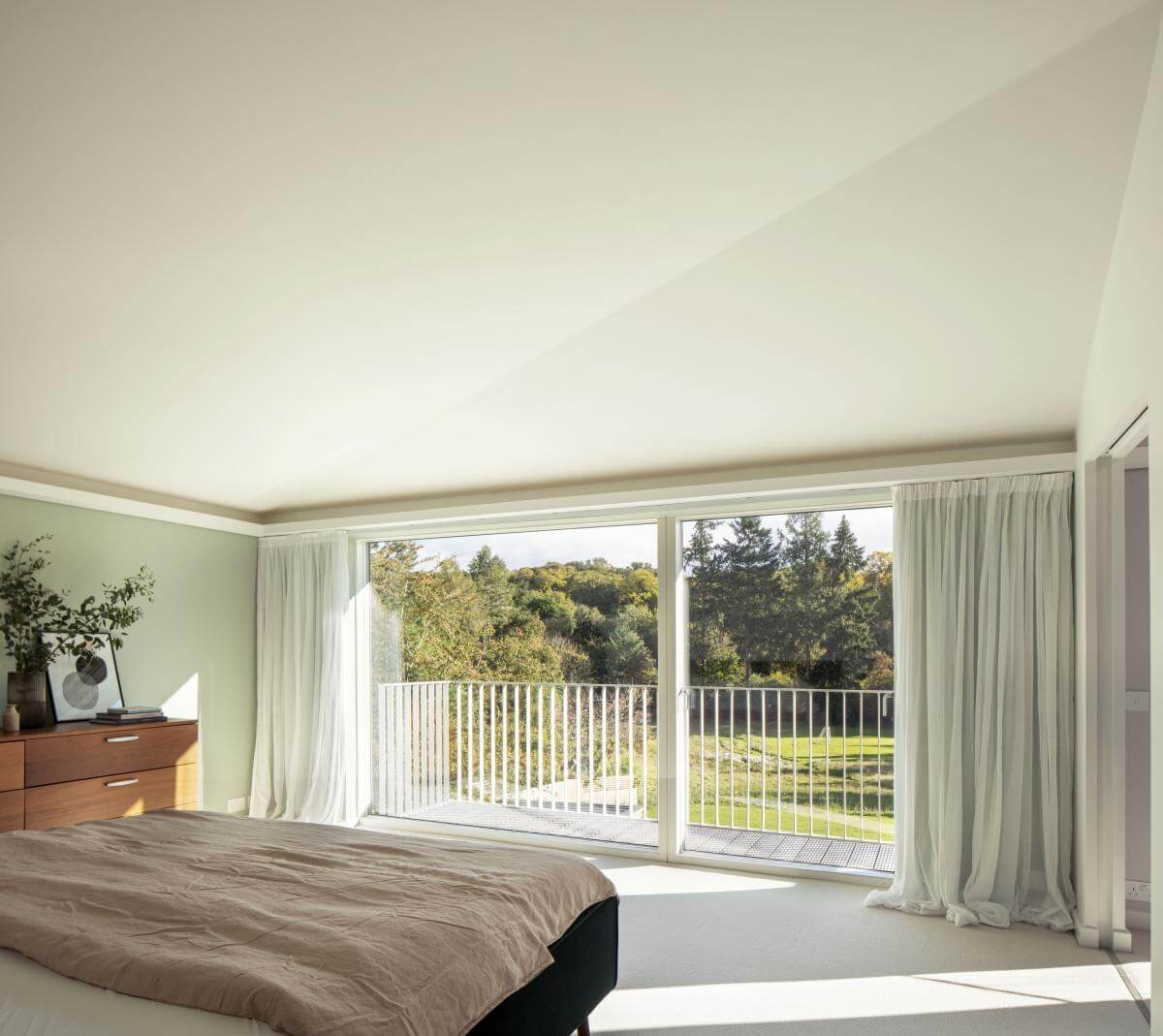 copy of 28 cherry tree house master bedroom and balcony guttfield architecture will scott