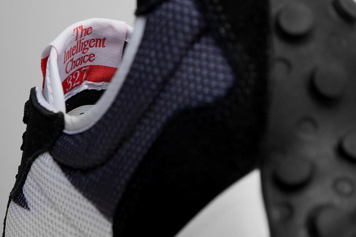 https hypebeast.com image 2021 03 new balance 327 black grey sneaker release information 004