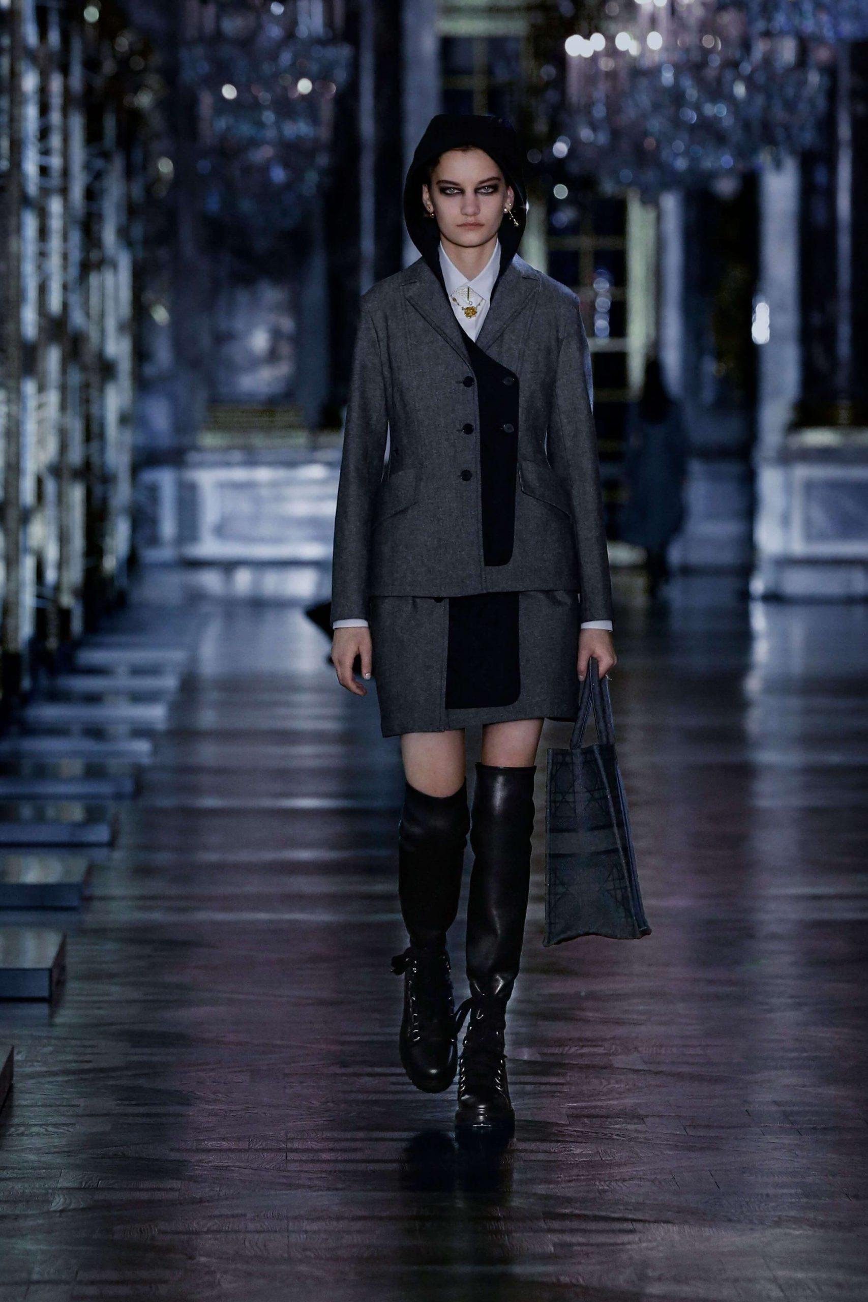 00016 Christian Dior Fall 21