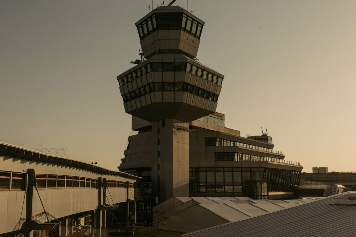 flughafen tegel photo book feature dezeen 2364 col 6