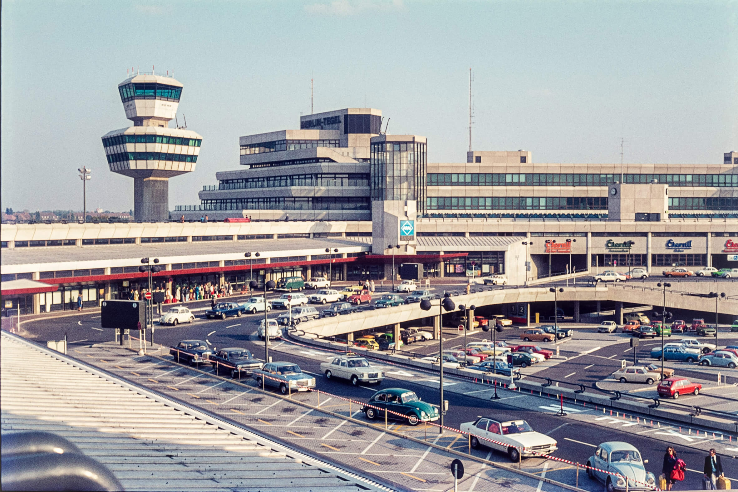 flughafen tegel photo book feature dezeen 2364 col 8