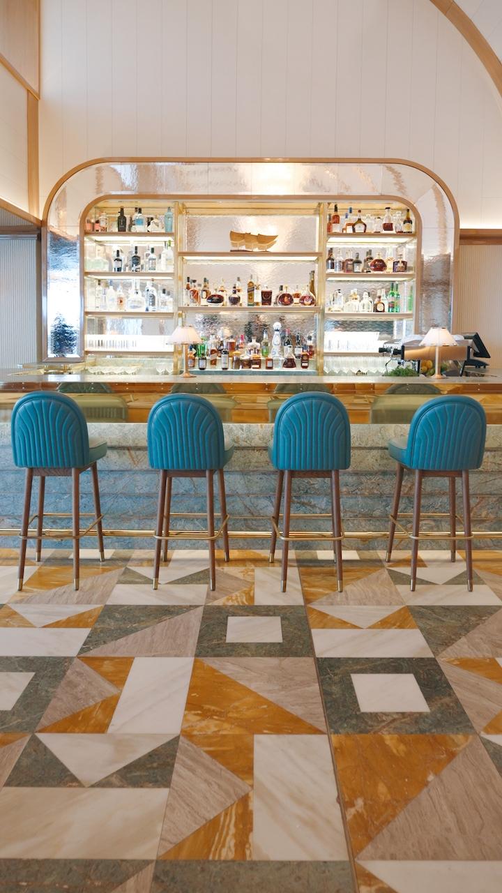 Martini Bar A.