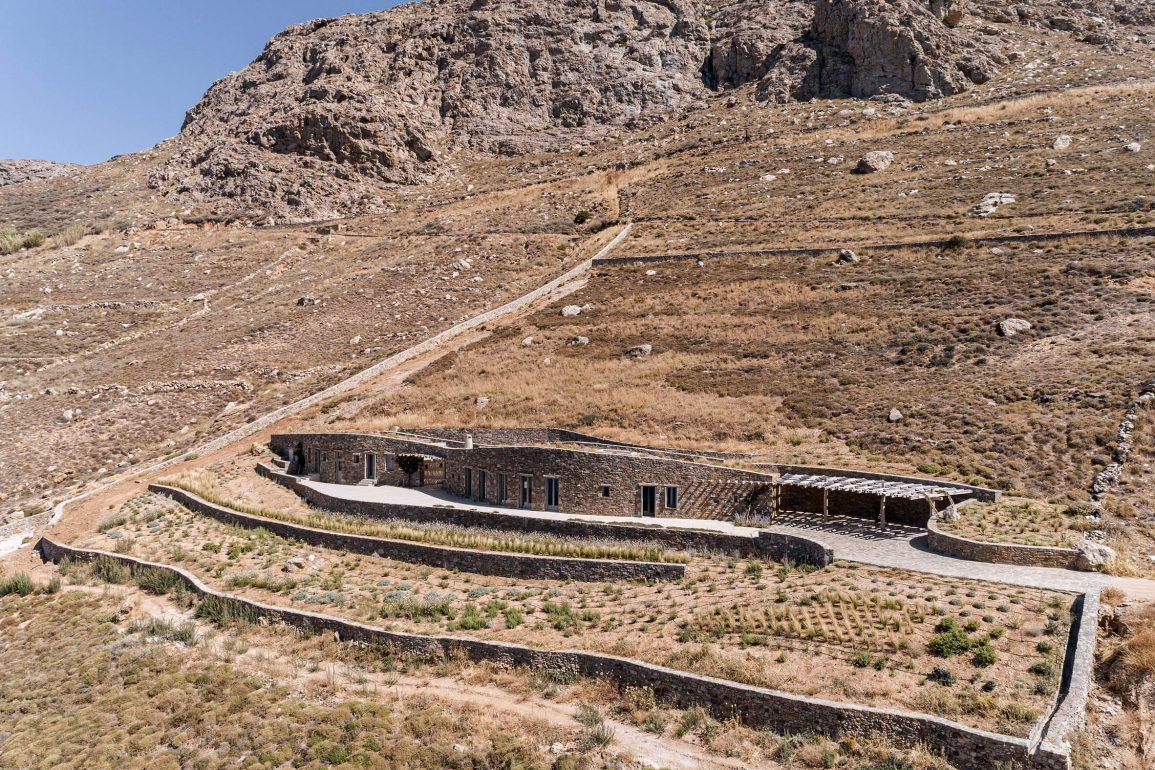 xerolithi house sinas architects dezeen 2364 col 44