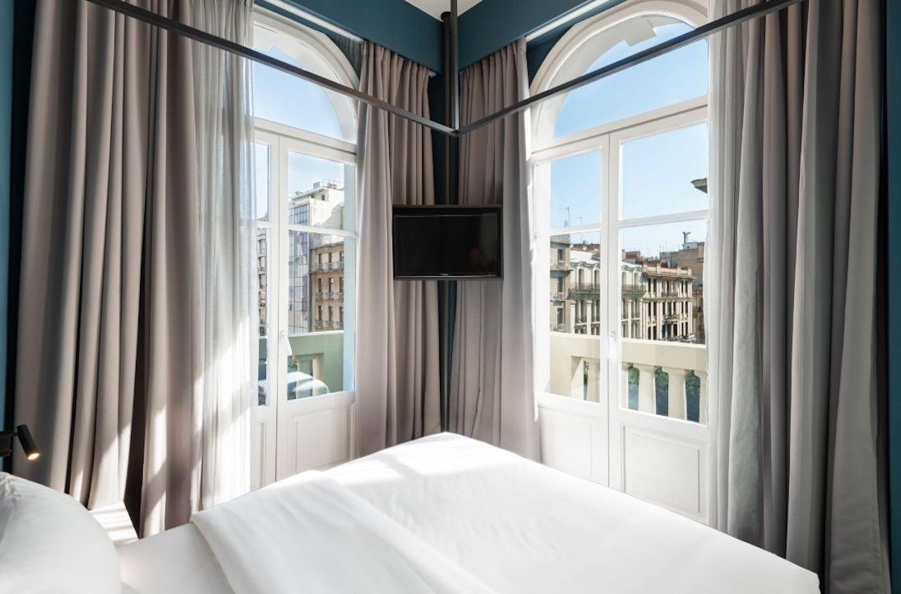 Colors Agiou Mina Thessaloniki Greece Dream Room 233 Classic 6 1