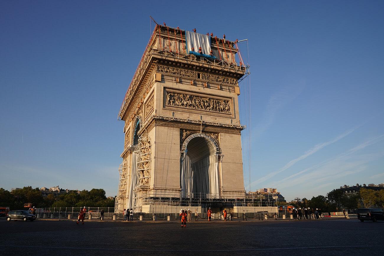 Christo Arc de Triomphe 04