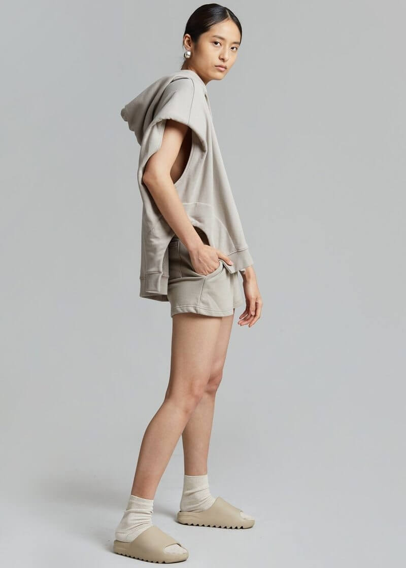 alex summer shorts taupe shorts the frankie shop 888695 800x